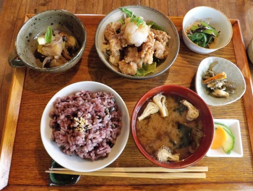 雑穀米定食